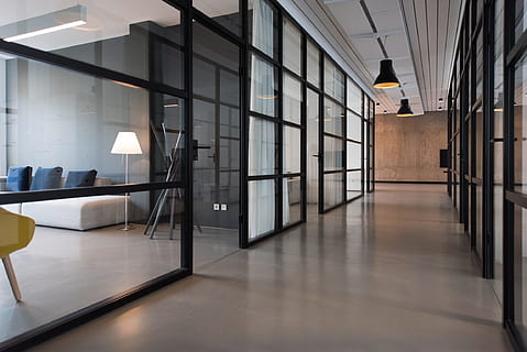 6 Amazing Advantages Of Glass Partition Walls For Your Office Space