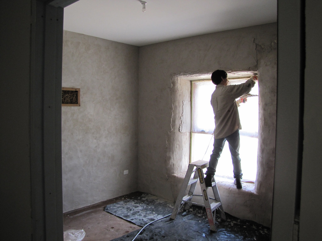5 Important Points to Consider When Looking for Plastering Contractors
